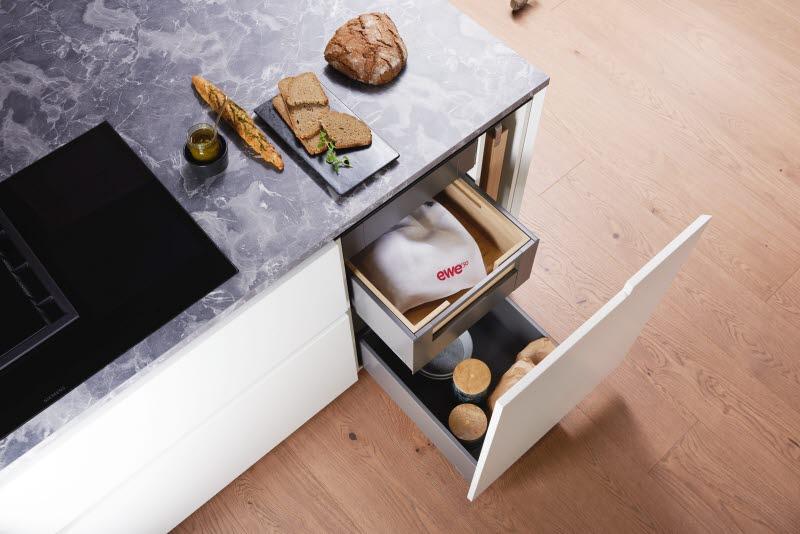 EWE Kueche drawers
