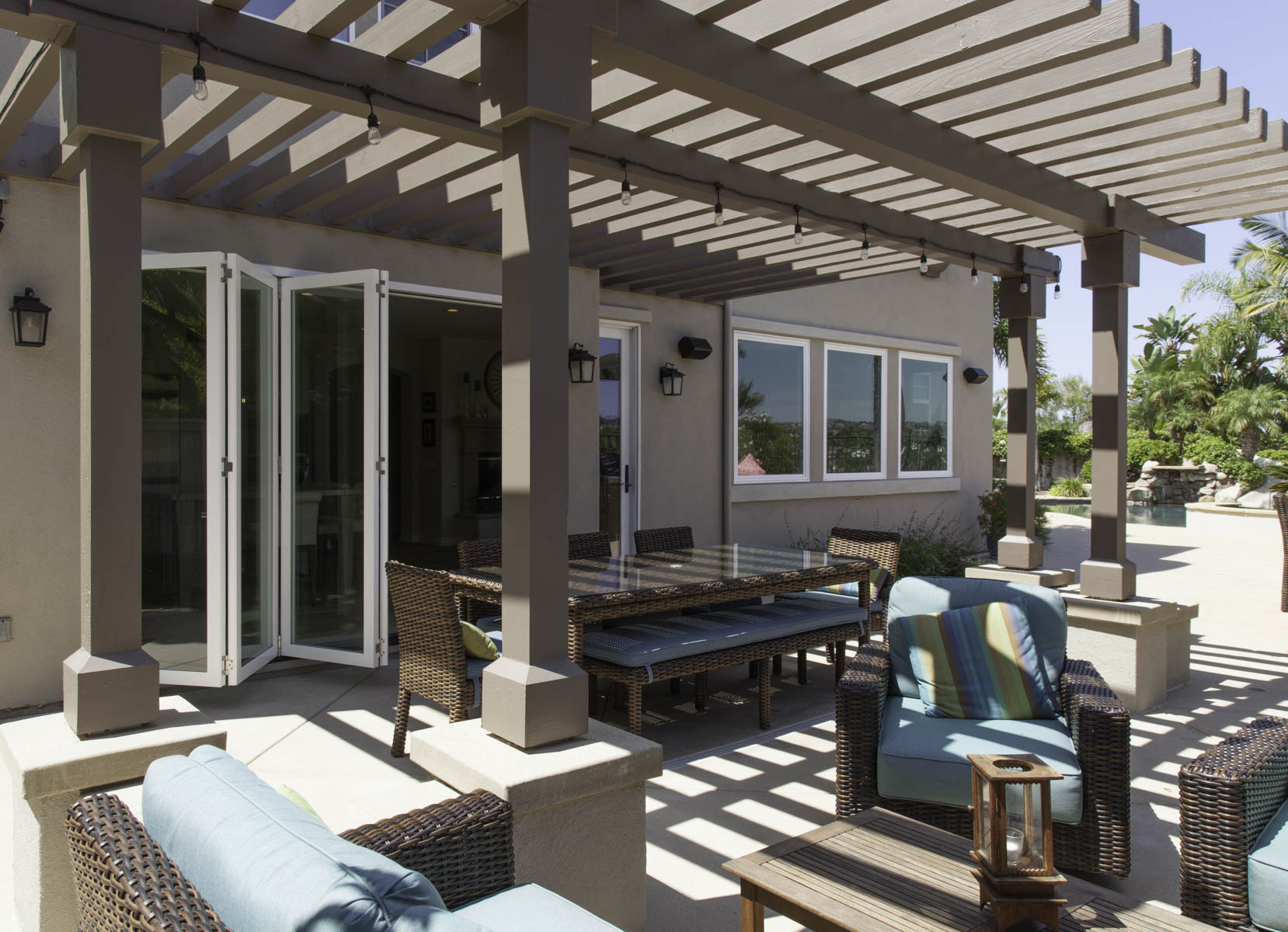 Outdoor living and dining room area